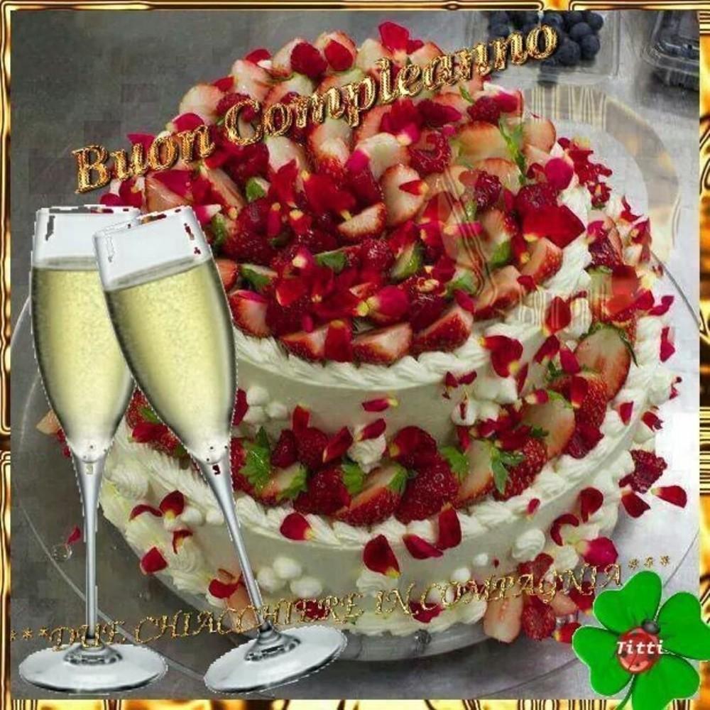 Buon Compleanno con torta alle fragole