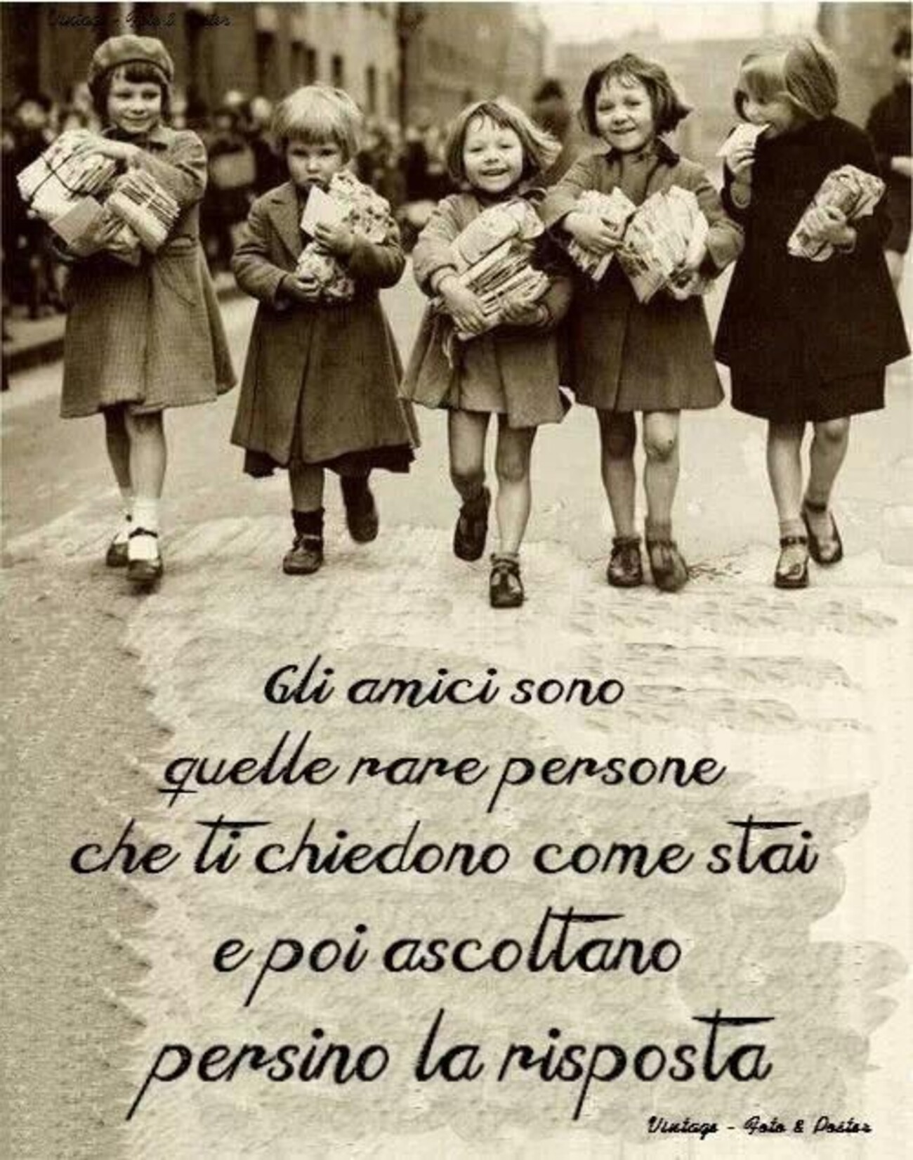 Gli amici sono quelle rare persone che ti chiedono come stai e poi ascoltano persino le risposte.